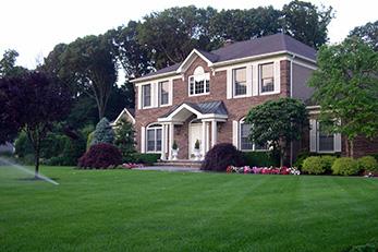 lawn-care-fertilization-disease-applications